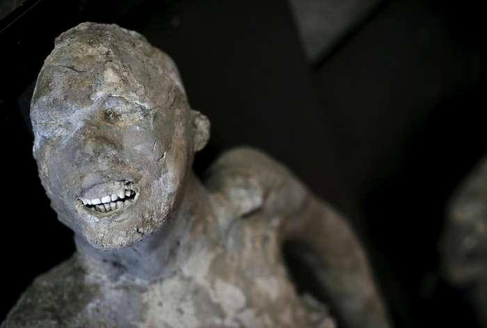 История гибели жителей Помпеев