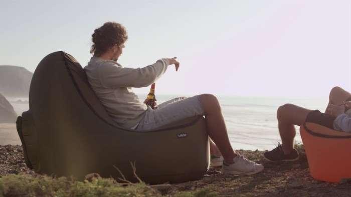 Надувное кресло, которому нужен не насос, а ветер