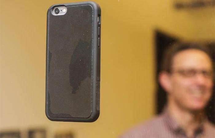 Побеждая гравитацию: -антигравитационный- и супернадёжный чехол, в котором смартфон всегда будет перед глазами