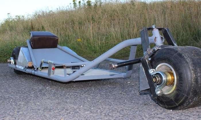 Очумелые ручки: Британец собрал гениальное транспортное средство для самых ленивых