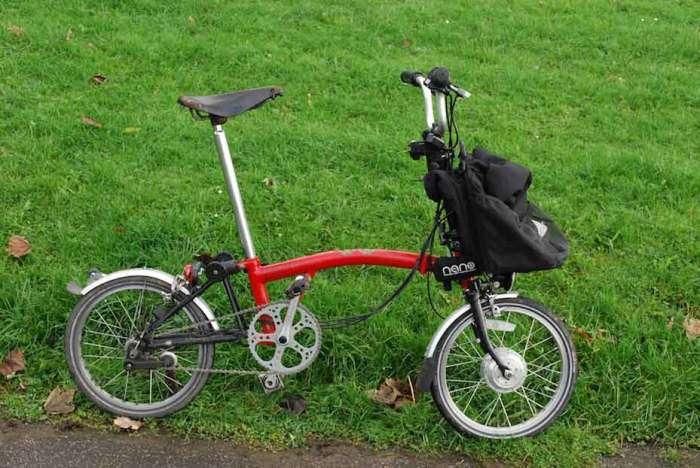 Невероятно компактный велосипед, который будь еще чуть меньше, помещался бы в рюкзак