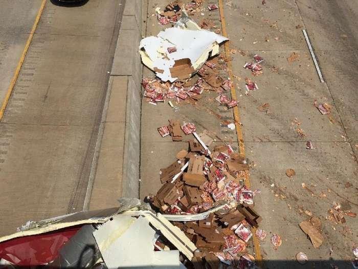 Шоссе в Арканзасе завалило пиццей (15 фото)