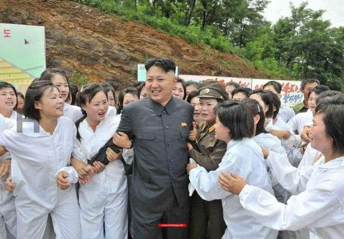Девушки Северной Кореи (29 фото)