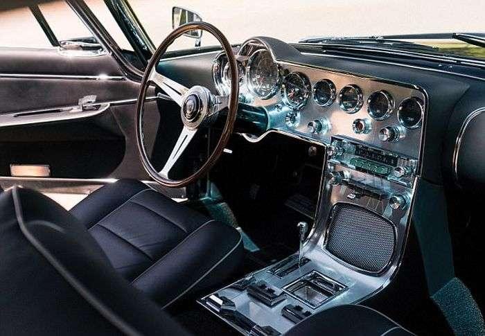 Винтажный итальянский автомобиль Carrozzeria Ghia продадут за 390 000 долларов (7 фото)