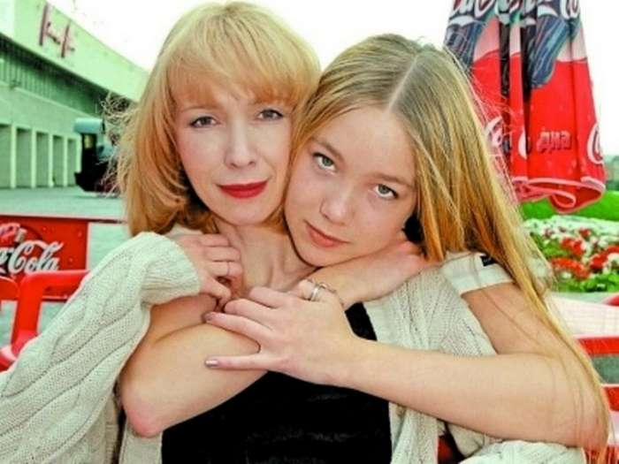 Трагедия Марины Левтовой: О чем Дарья Мороз не успела спросить у матери (18 фото)
