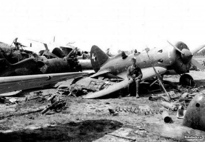 ложка нажмите фото разбитых самолетов вов мэи