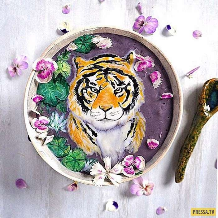 Еда или искусство? Художник рисует на смузи съедобные картины! (18 фото + 1 видео)