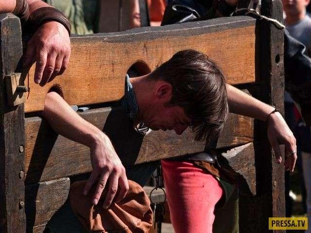 ТОП-24 жестоких методов допроса (24 фото)