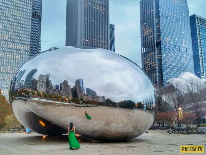 Путешествие зеленого платья (8 фото)