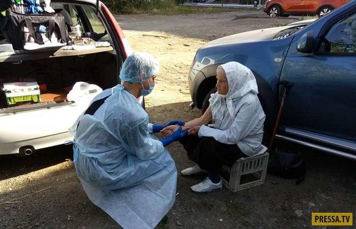 Челябинский врач Евгений Косовских бесплатно лечит бездомных (7 фото)