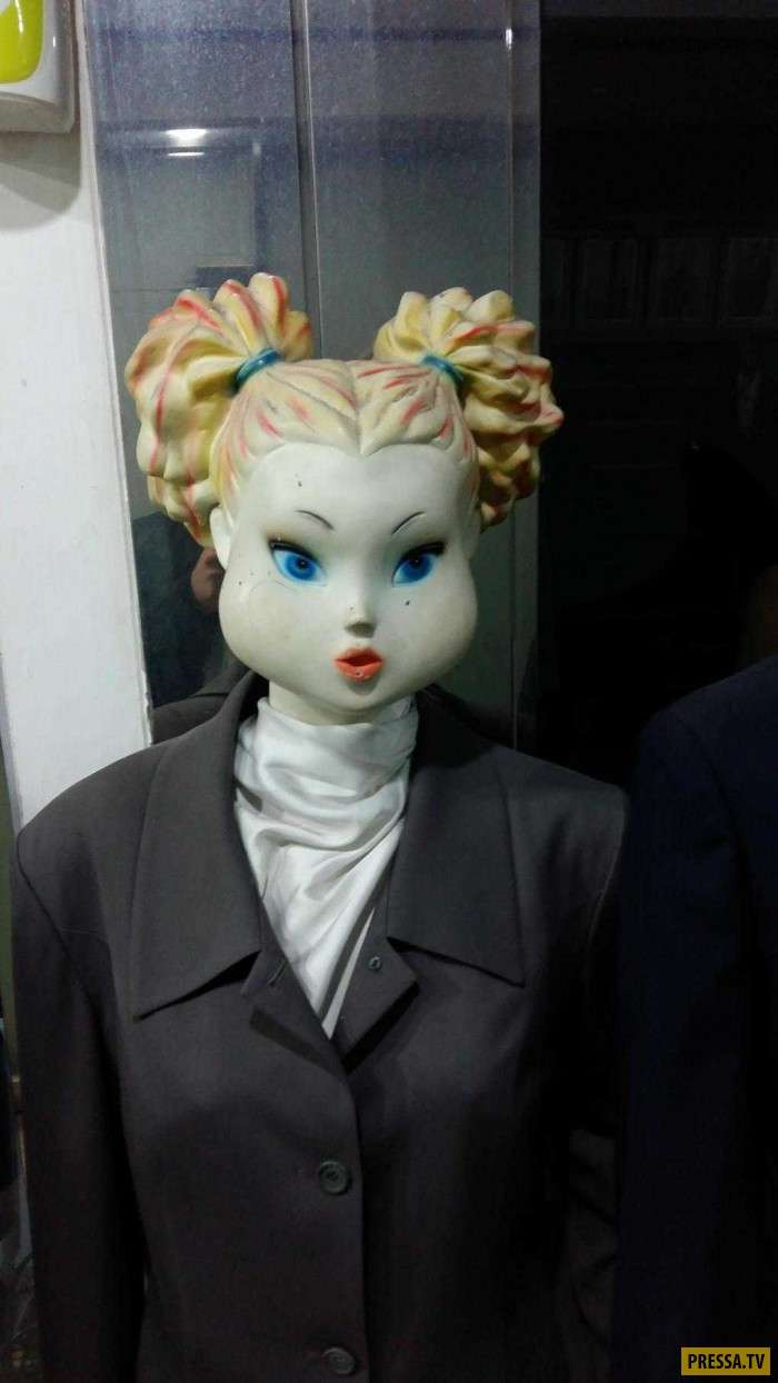 Когда хозяин магазина креативно подошел к выбору манекенов (22 фото)