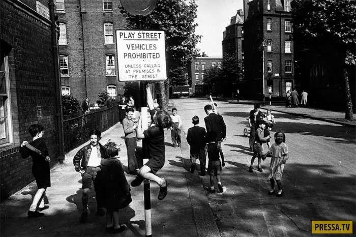 Уникальные фотографии детей в послевоенной время (12 фото)