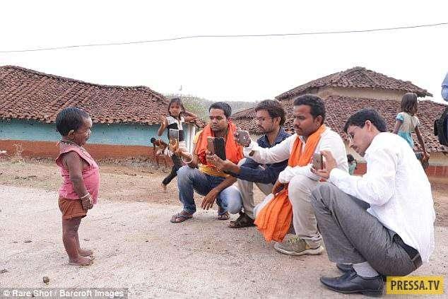 Мужичок-младенец из Индии (14 фото)