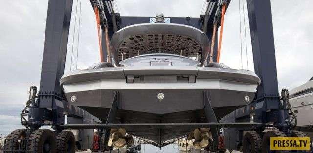 Компания Porsche сделала свою первую яхту, и она получилась внушительной (5 фото)