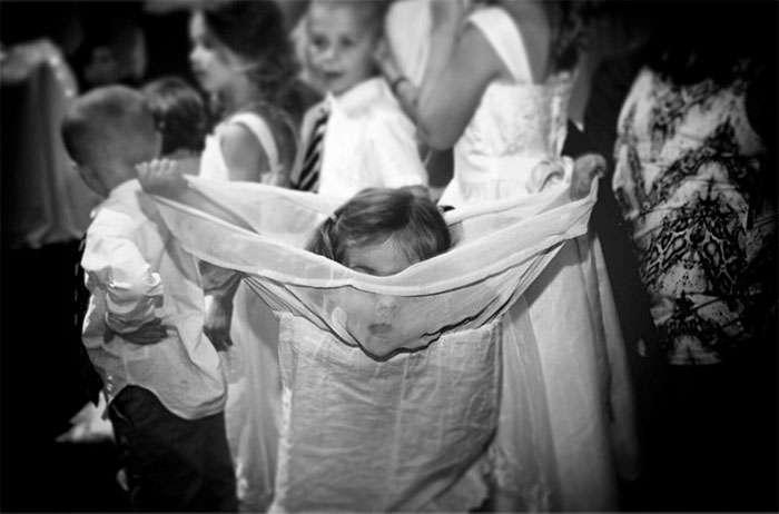 Малыши на свадьбе, которым это совсем не нравится