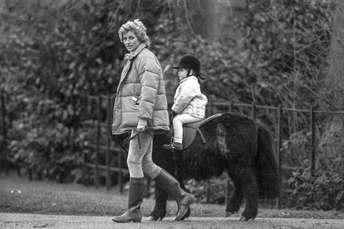 20 лет без леди Дианы: редкие фото принцессы Уэльской-13 фото-