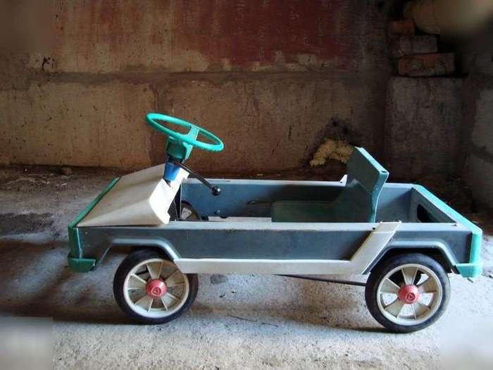 Автомобили на педальной тяге из времён советского детства-20 фото-