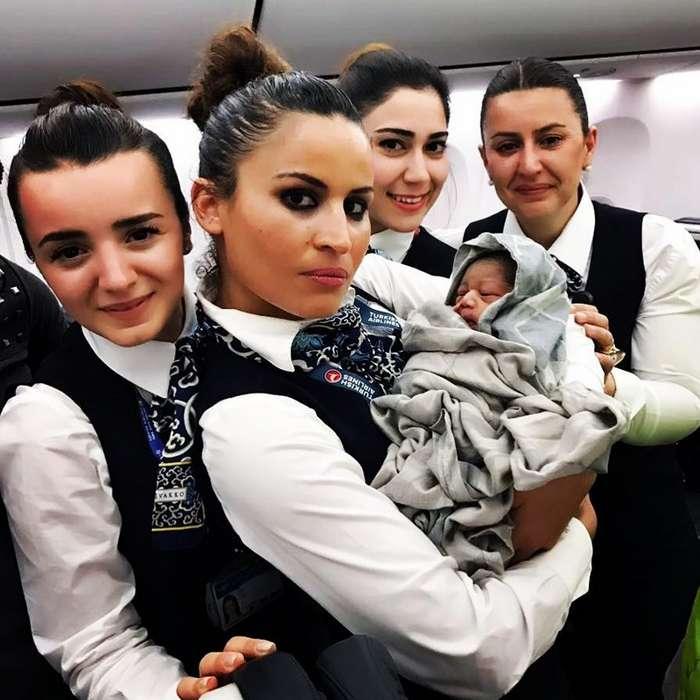 Когда в полет прям в самолет садится странненький народ-29 фото + 3 видео-
