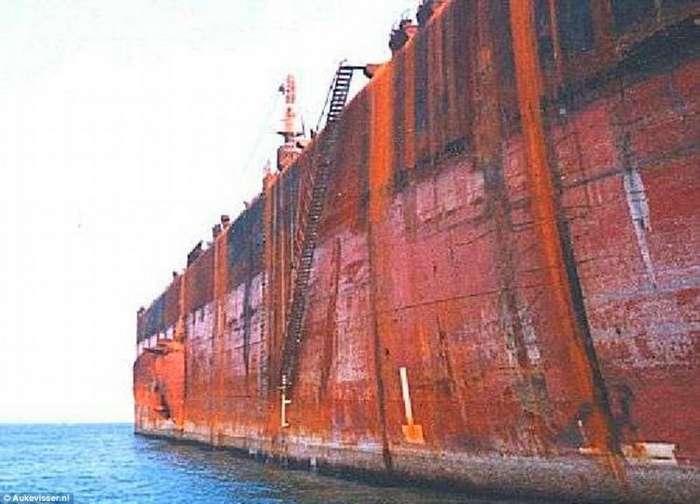 Разбомбленный и воскрешенный: драматическая история в мире крупнейшего корабля-9 фото-