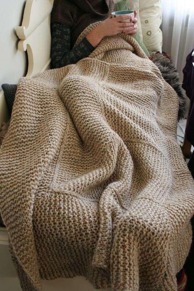 Она не стала выбрасывать старый свитер, а дала ему вторую жизнь. Поразительно!-15 фото-