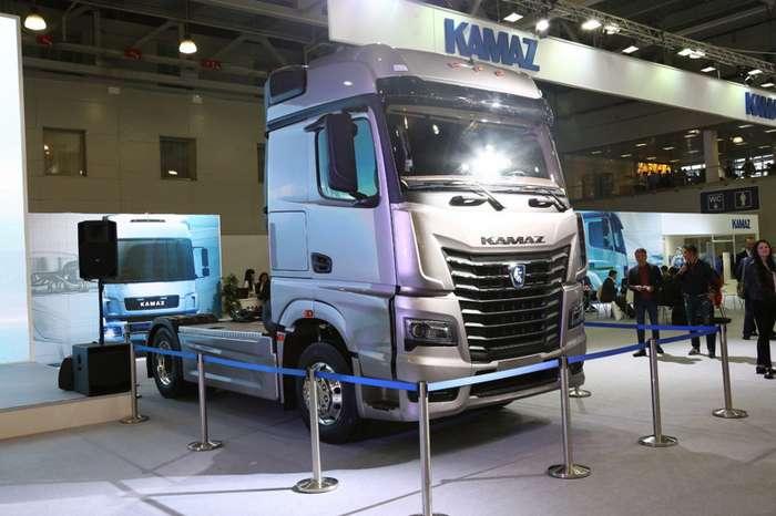 Прототип КАМАЗа следующего поколения показали в Москве-4 фото-