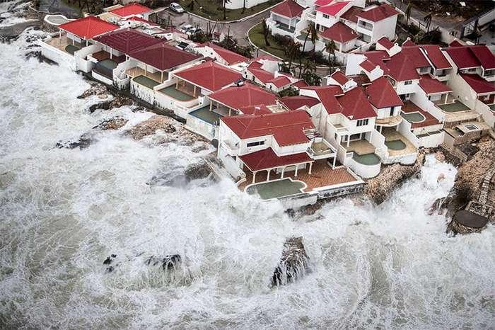 Шокирующие фотосвидетельства разрушительной мощи урагана Ирма-40 фото-