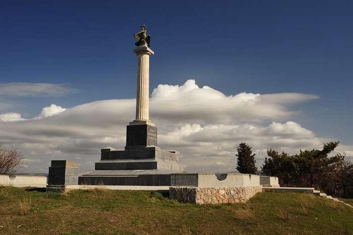День памяти русских воинов, павших при обороне Севастополя и в Крымской войне 1853-1856 годов-9 фото-
