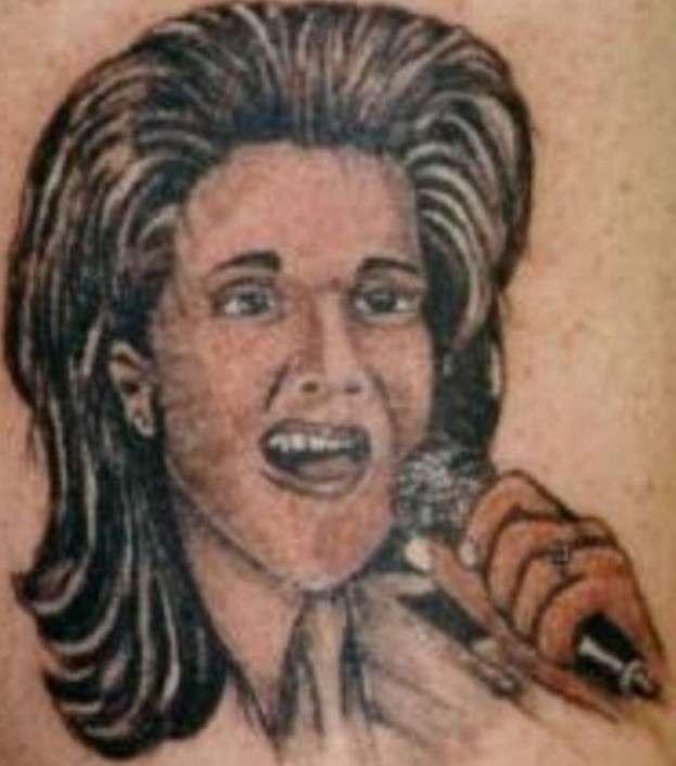 Эти татуировки с лицами звезд настолько кошмарны, что их герои закричали бы от ужаса!-17 фото-