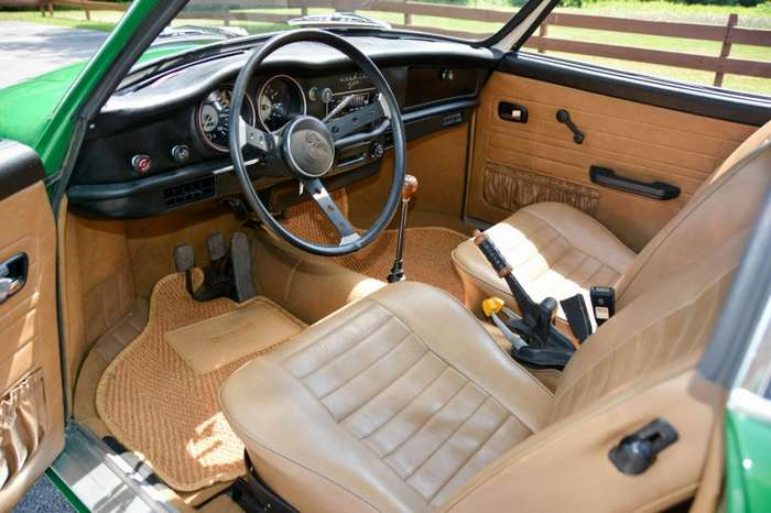 Karmann Ghia 1974 года - Спортивный автомобиль на шасси -Жука--13 фото-
