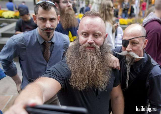 Приколы про бороды и усы (30 фото)