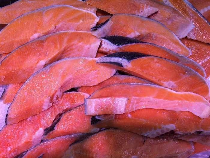 Эту рыбу любят многие, но не все знают, что это самая токсичная еда в мире-8 фото-