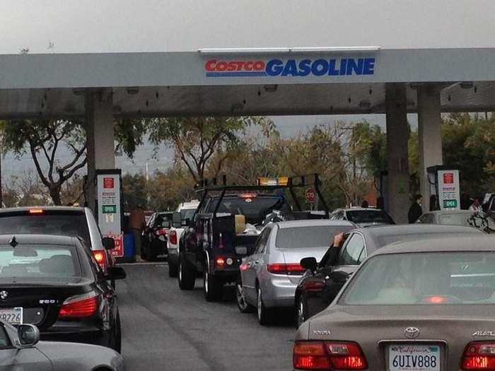 Почему лючок бензобака у машин расположен с разных сторон-2 фото-