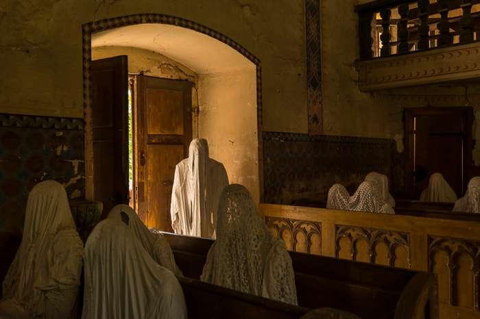 Жуткая церковь святого Георгия , Чехия-16 фото-