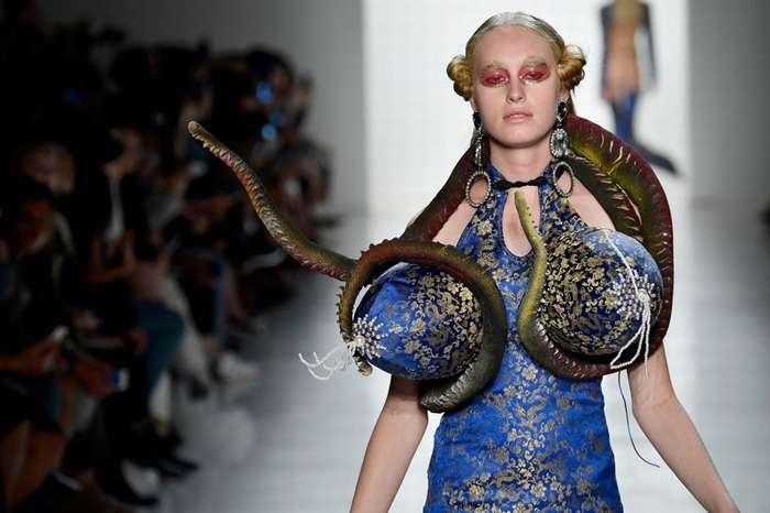 Самые невероятные наряды недели моды в Нью-Йорке-18 фото-