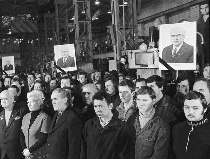 В последний путь. Как уходили руководители СССР-14 фото-