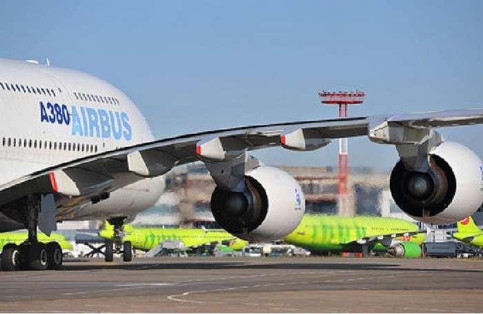 Спаслись чудом: в -Домодедово- едва не потерпел крушение самый большой в мире самолет-2 фото-