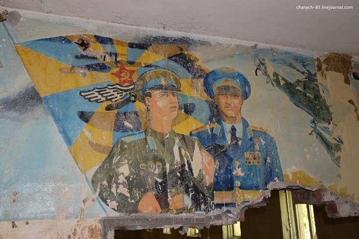 Артефакты Страны Советов на заброшках-29 фото-