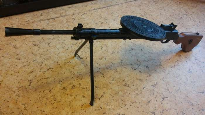 Реплика пулемета ДП-27-8 фото-