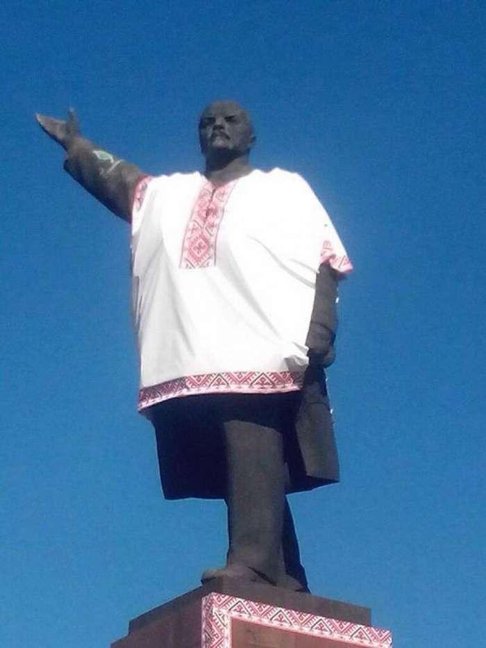 Ленин жил, Ленин жив, Ленин будет жить!!!-21 фото-
