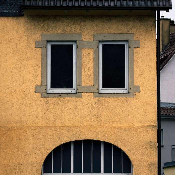 Показалось: дома и сооружения, у которых есть лица-36 фото-