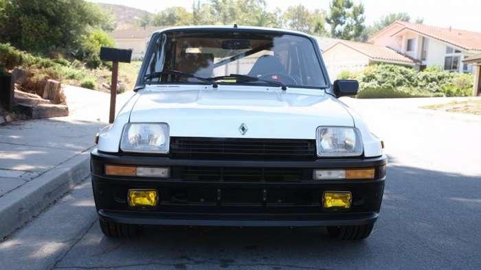 33-летний спортивный хэтчбек Renault продали за кругленькую сумму-13 фото-