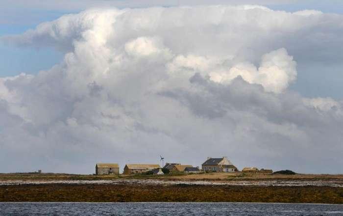 Французское правительство ищет пару для ухода за фермой на необитаемом острове-10 фото-