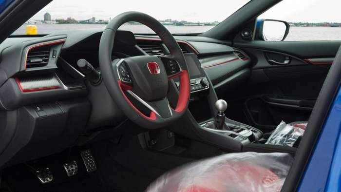 Honda Civic Type R - обычный хэтчбек в шесть раз дороже-13 фото + 1 видео-
