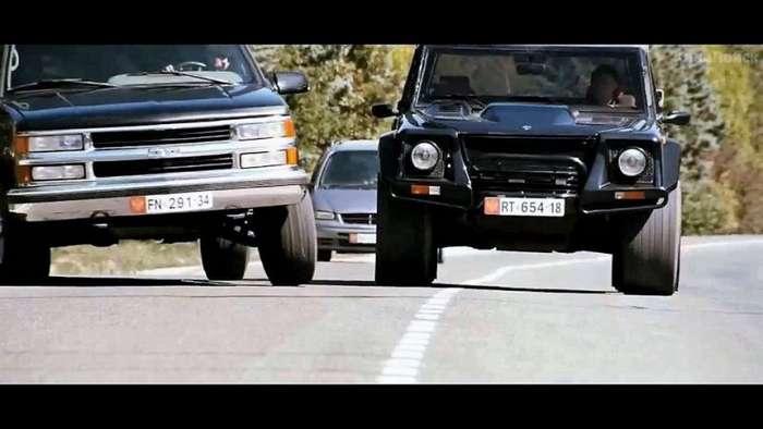 Lamborghini LM002: первая кровь-20 фото + 1 видео-