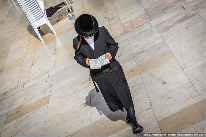 Почему религиозные евреи носят особенную одежду