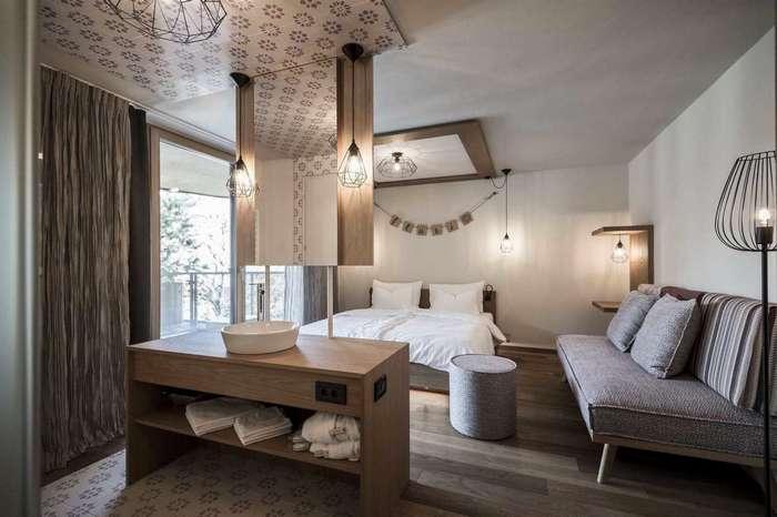 Интерьер отеля в итальянском курортном городке