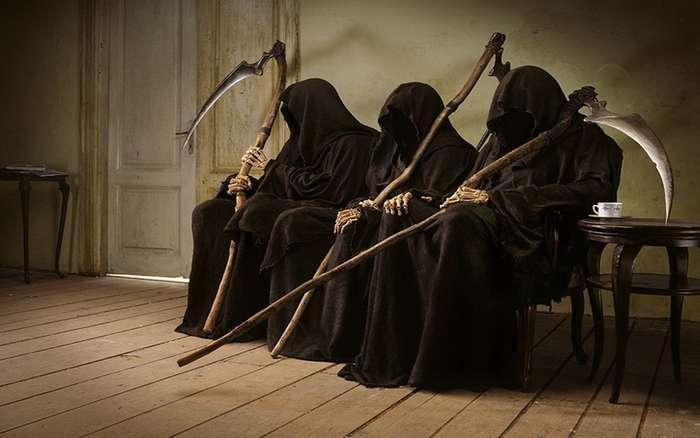 -Какая нелепая смерть!- или истории людей, которые -залюбили- себя до смерти