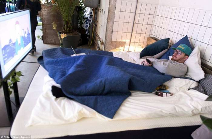 Бар -Похмелье- в Амстердаме помогает пережить тяжелое время