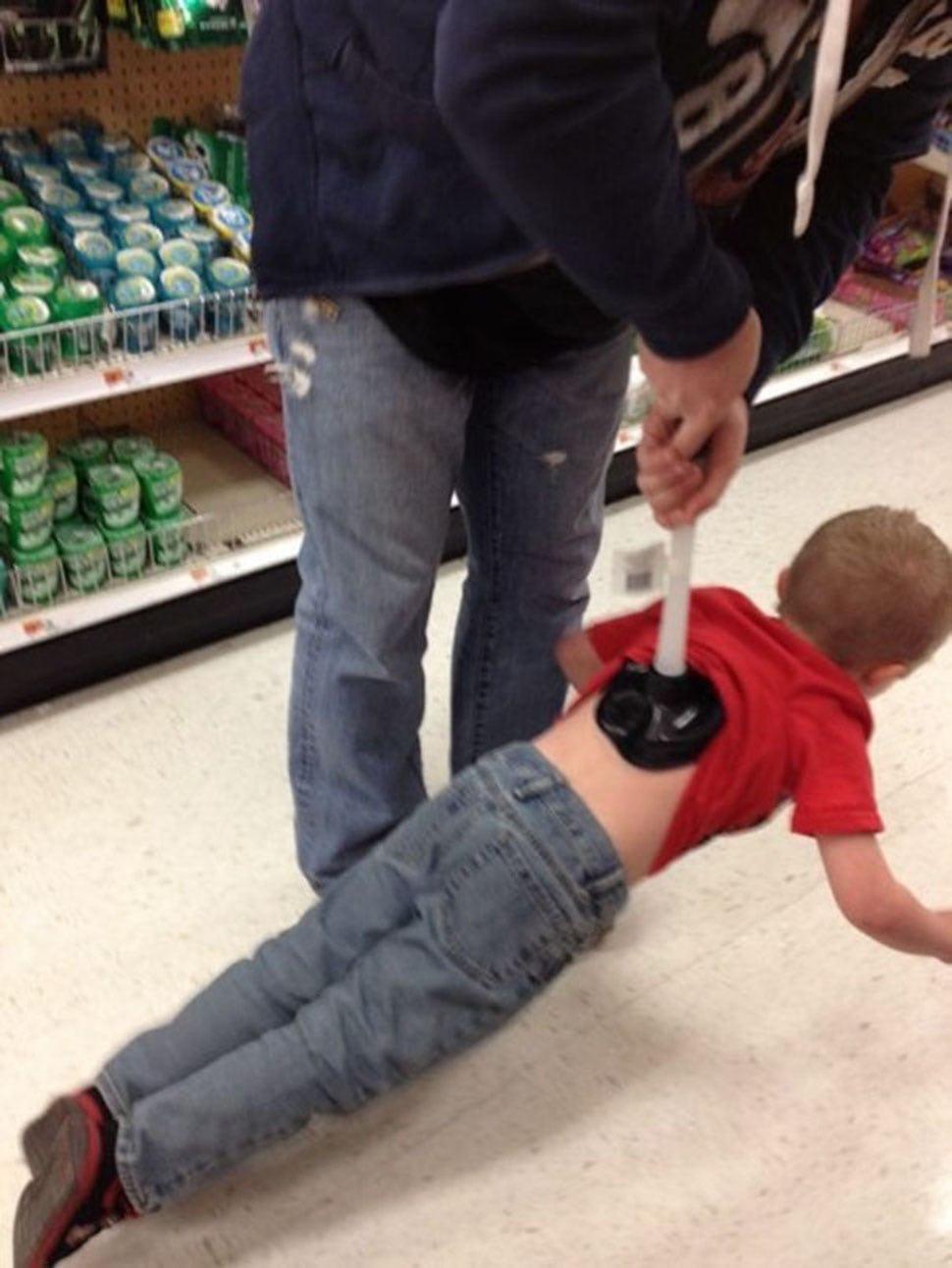 Родитель всегда прав! Топ -креативных- родителей по версии руководства сети супермаркетов Walmart