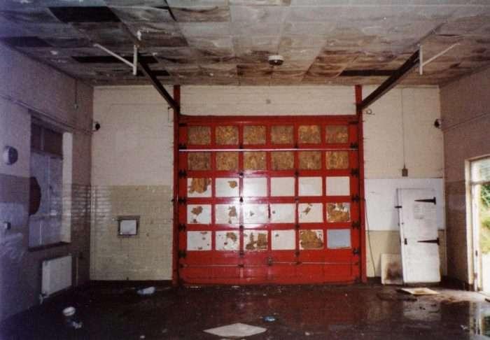 Эта бывшая пожарная станция неприметная снаружи, но стоит зайти внутрь, и от удивления падает челюсть